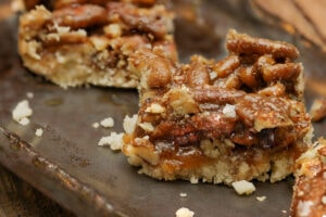 Crumble,Pecan,Pie,Bars,,Dessert,For,Thanksgiving